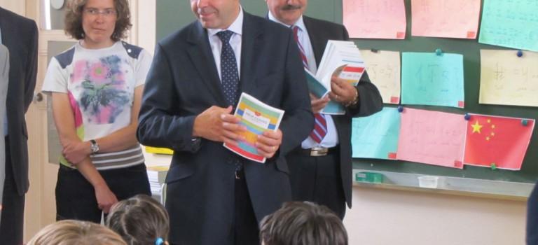 Luc Chatel à l'école à Villiers