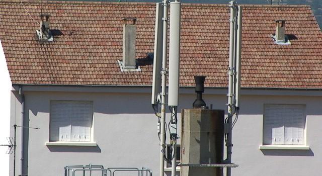 Les habitants du Val de Marne se rebellent contre les antennes relais