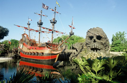 Réduction des effectifs à Disneyland Paris: la CGT rompt les négociations