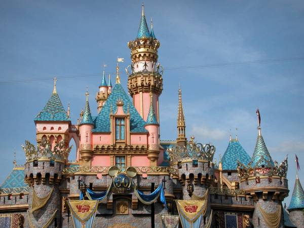 Disneyand Paris négocie un millier de départs volontaires