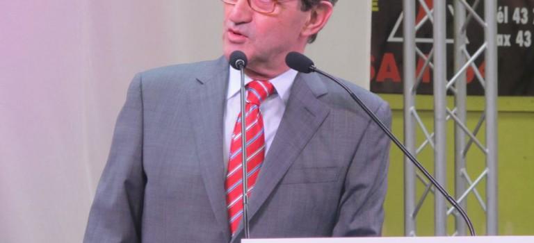 Alfortville : l'ancien député-maire René Rouquet fait citoyen arménien