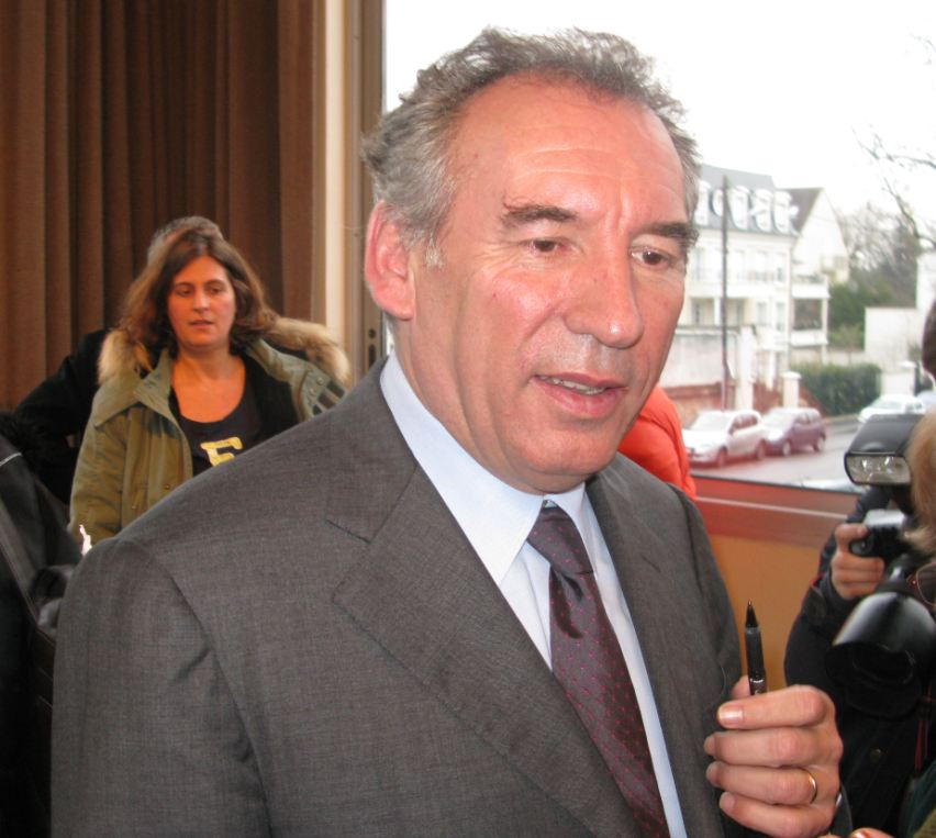 fran ois bayrou d bat de coh sion sociale au plessis tr vise 94 citoyens. Black Bedroom Furniture Sets. Home Design Ideas