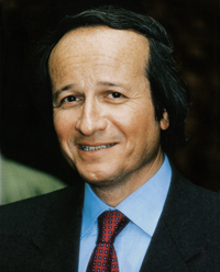 Législatives 2017 en Val-de-Marne : Roger-Gérard Schwartzenberg jette l'éponge