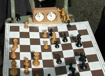 Le champion d'échec menacé d'expulsion pourrait être régularisé