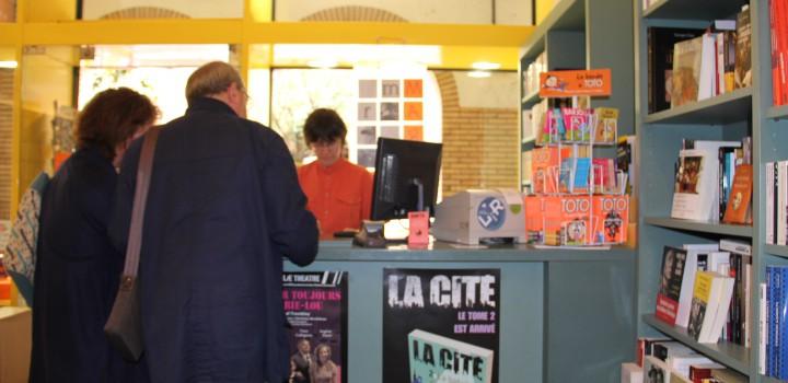 Commerces en Val de Marne : moins de libraires, plus d'agences de services