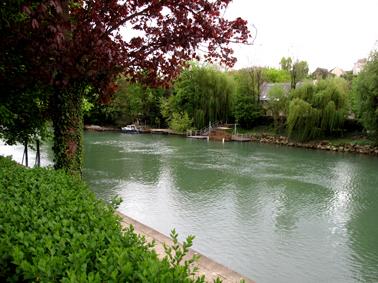 Un malfrat se noie dans la Marne en tentant d'échapper à la police