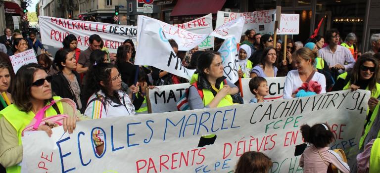 Manifestation contre les changements de rythmes scolaires