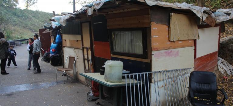 Les Roms de Joinville veulent rester pour l'hiver