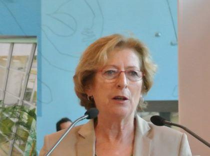 Geneviève Fioraso sur le campus CNRS de Villejuif