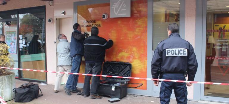 Attaque à l'explosif d'un distributeur de la Caisse d'épargne