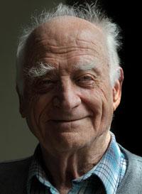 Michel Serres en dédicace à la librairie Millepages