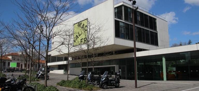 Politique culturelle en Val de Marne : positions du PCF et de l'UMP