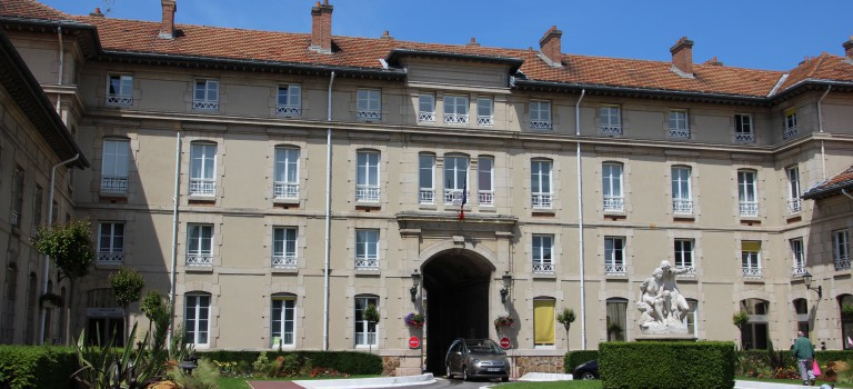 La crise de l'hôpital Paul Guiraud au tribunal