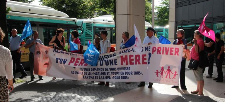 La Manif pour tous organise un rassemblement contre la GPA à Nogent-sur-Marne