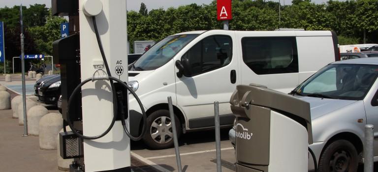 Autolib s'installe chez Ikea Villiers