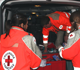 la Croix rouge rend hommage au révérend père Aubry à Fontenay