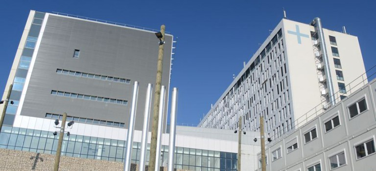 L'hôpital de Villeneuve-Saint-Georges assainit ses finances mais reste fort endetté