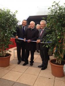 Inauguration par le préfet Thiery Leleu, le député-maire Laurent Cathala et le vice-président du Conseil général Abraham Johnson.