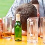 Alcoolisme © eyetronic - Fotolia.com