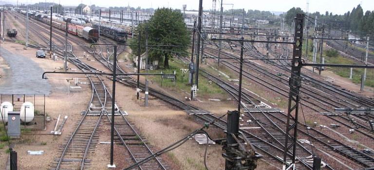 Le site ferroviaire de villeneuve saint georges reprend du - Piscine villeneuve saint georges ...