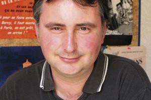 Débat sur l'impôt et la justice sociale avec Vincent Drezet à Arcueil