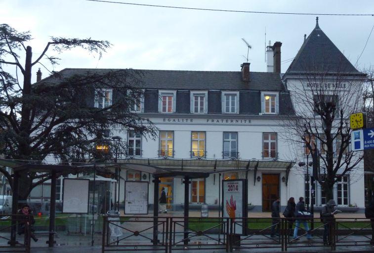Le tribunal rejette le recours contre les municipales - Piscine villeneuve saint georges ...