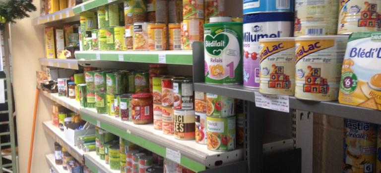 Collecte pour les épiceries solidaires au Simply Market de Saint-Maur-des-Fossés