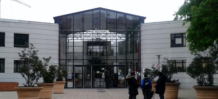 A Ivry, l'école de l'Orme au chat se mobilise pour garder sa bibliothécaire