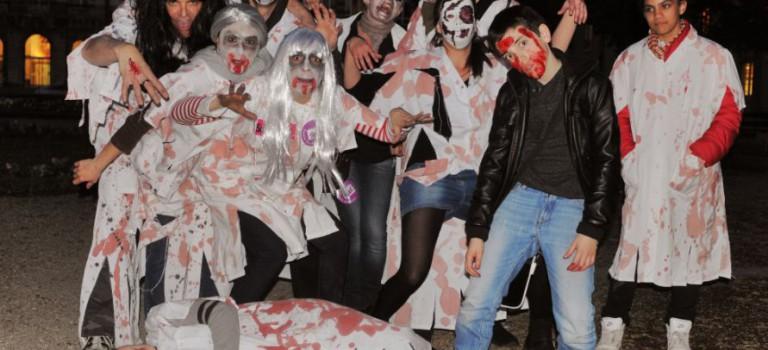 Les soignants en colère jouent les zombies