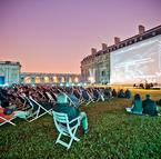 Gratuit : 3 comédies à voir en plein air au château de Vincennes