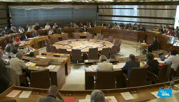 Le Conseil général du Val de Marne vote un voeu contre sa disparition