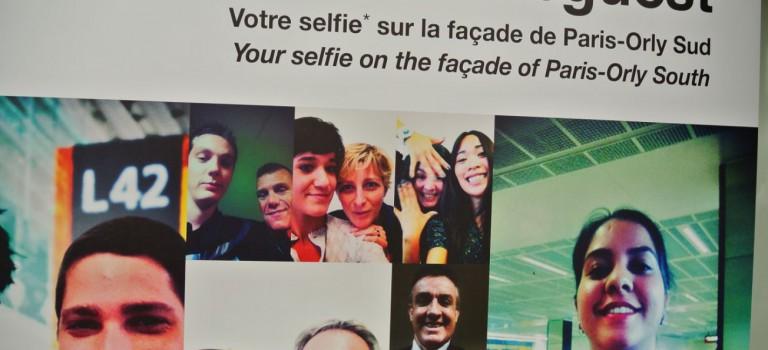 L'aéroport d'Orly affiche les selfies de ses clients