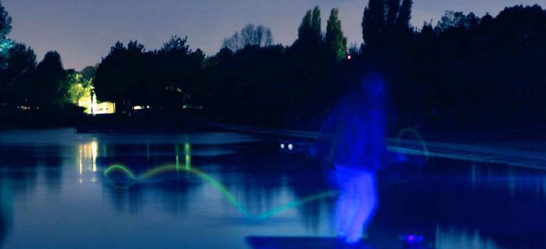 Championnat du monde de ricochets fluorescents à Orly