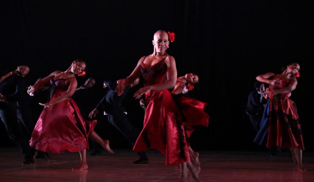 Dada masilo danse carmen la maison des arts de cr teil for Danse classique maison alfort