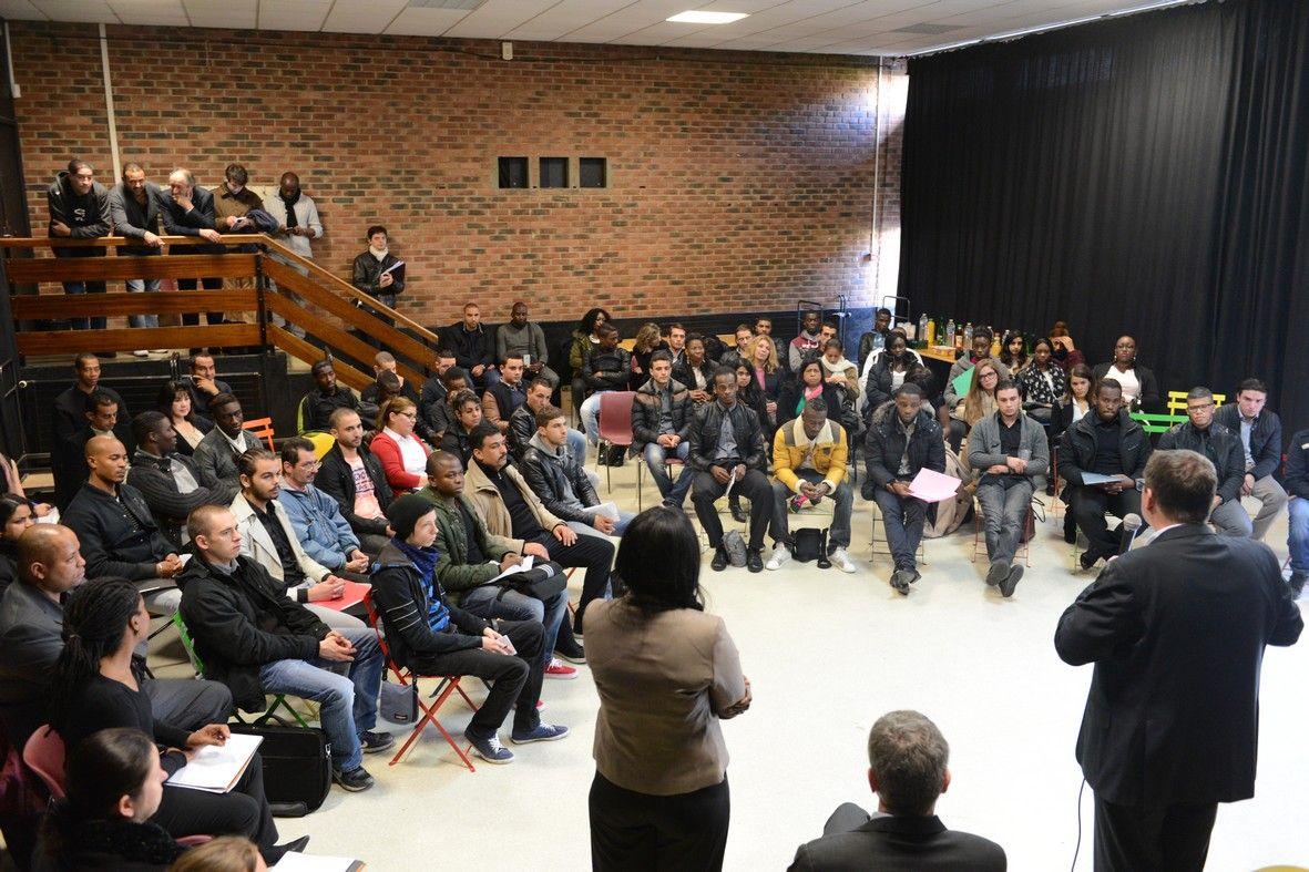 carrefour villejuif recrute 10 contrats de professionnalisation 94 citoyens. Black Bedroom Furniture Sets. Home Design Ideas