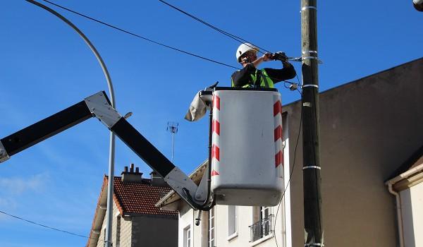 Fibre optique orange passe par les poteaux lectriques erdf 94 citoyens - Installation fibre optique maison individuelle ...