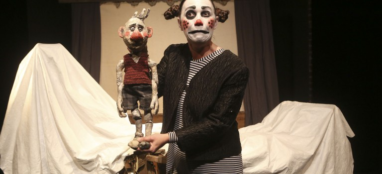 Clowns et marionnettes à la Grange Dîmière