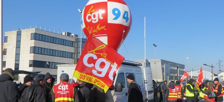 Grève des RER A et B et manifestation pour soutenir les Goodyear