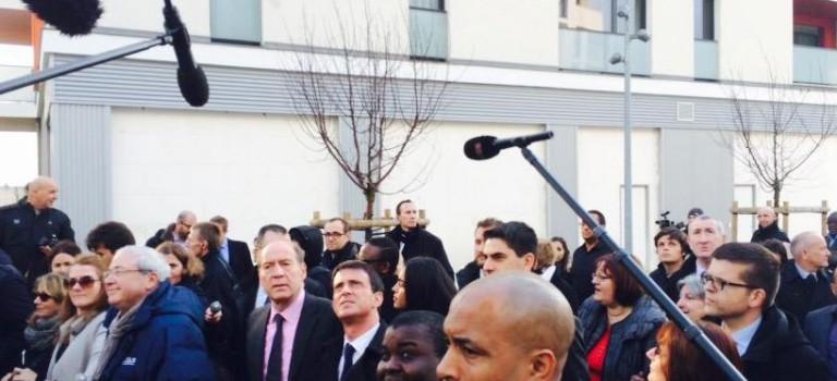Manuel Valls à Fresnes : PS et UMP jouent au chat et à la souris