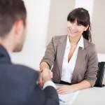 Situation de rendez-vous, d'entretien, de conseil et de poignée de mains