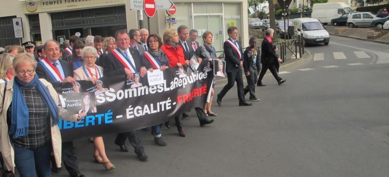 Un millier de personnes ont rendu hommage à Aurélie Chatelain à Villejuif