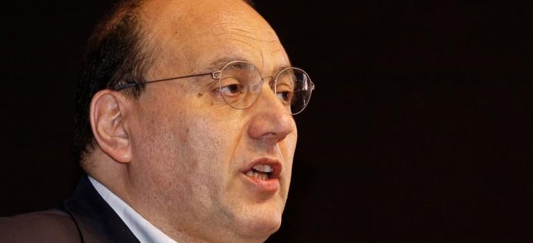 Julien Dray hésite encore à accepter la tête de liste dans le Val-de-Marne