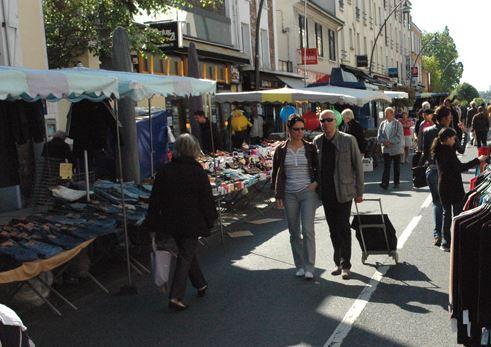30 nouveaux commerçants en extérieur au marché du Perreux