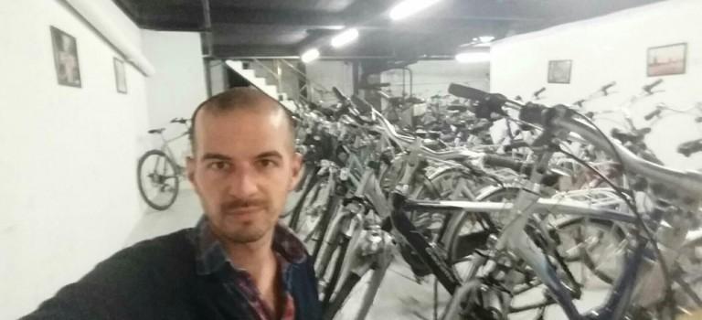 Monsieur cycles réveille les vélos hollandais à Saint-Maur-des-Fossés