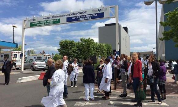 Pique-nique de colère à l'hôpital Henri Mondor
