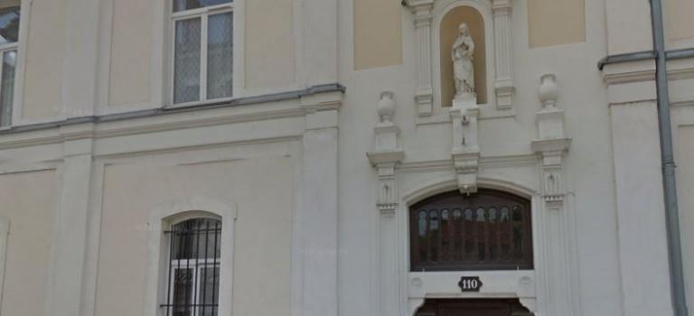 Pédopornographie : enseignant suspendu et cellule psy dans un collège de Maisons-Alfort