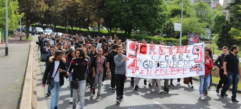 A Créteil, Gutenberg reste mobilisé pour la lycéenne Luminita
