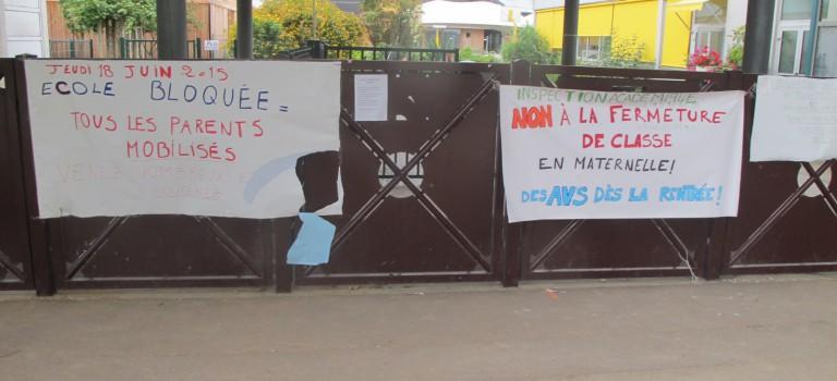 Blocage et grève à l'école Paul Eluard d'Orly