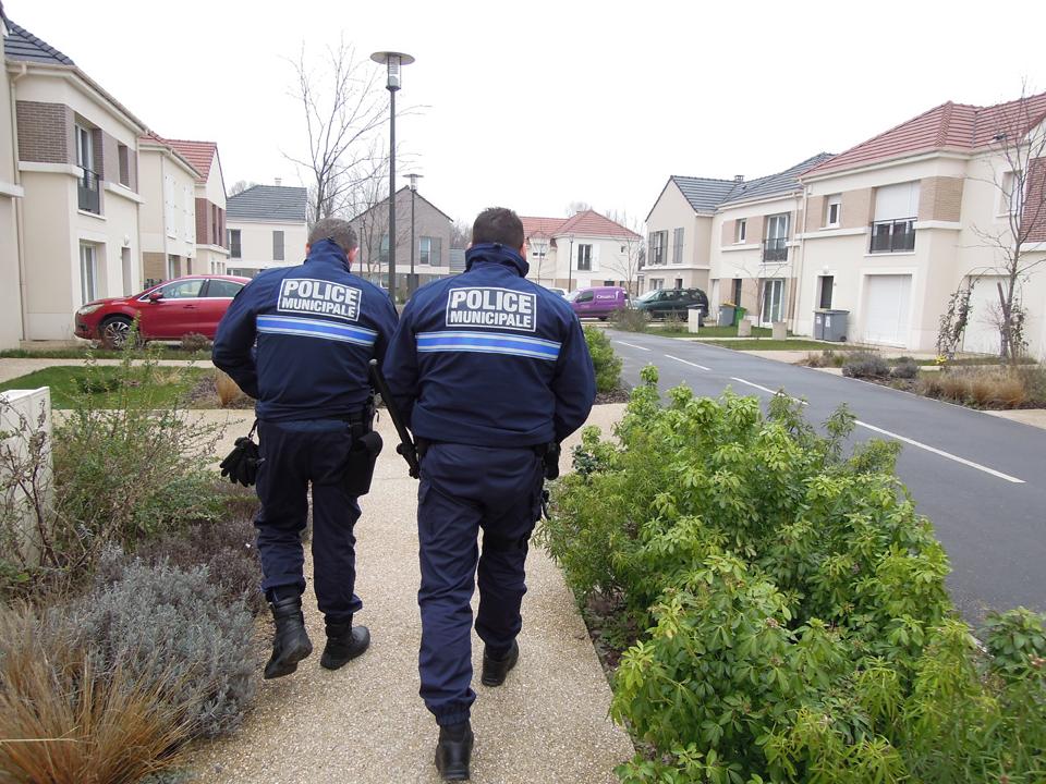 Sylvain th zard p titionne pour une police municipale cr teil 94 citoyens - Le roi du matelas recrutement ...