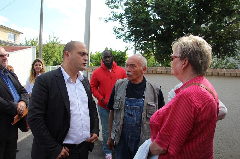 visite-quartiers-élus-habitant-bonneuil-juin-2015